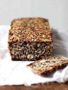 Flohsamenschalen-Brot